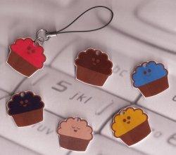 Cupcake_phone_charm_mg