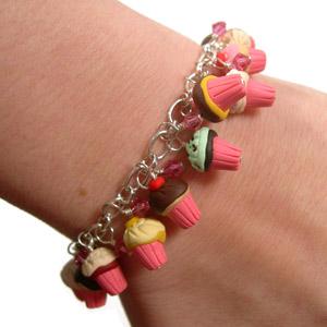 Cupcake_charm_bracelet_worn